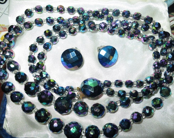 Quality vintage 2 strand carnival glass necklace & clip on earrings set.