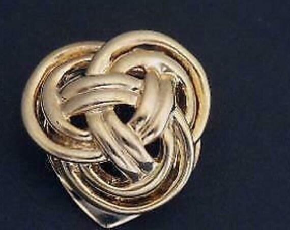 Pretty vintage Celtic knot Goldtone  scarf clip