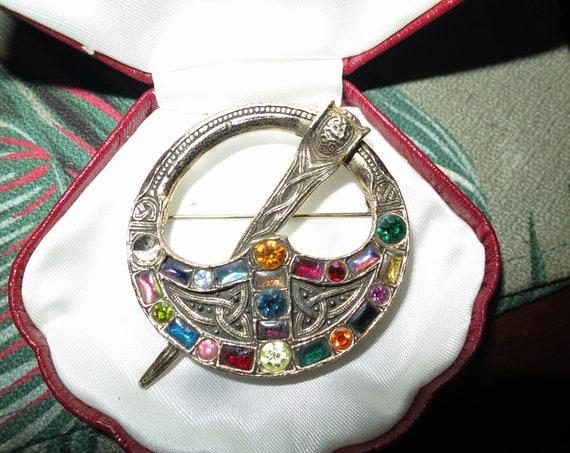 Charming Vintage goldtone Scottish Celtic multi colour glass brooch or kilt pin