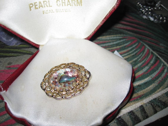 Lovely vintage Goldtone  Oval Encapsulated Abalone Confetti brooch