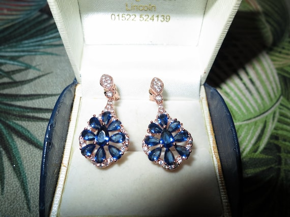Lovely Edwardian style 18 ct rosegold filled blue sapphire crystal drop earrings