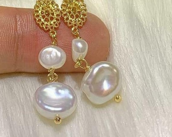 Beautiful 18 ct  gold filled baroque cultured high lustre pearl dangle earrings