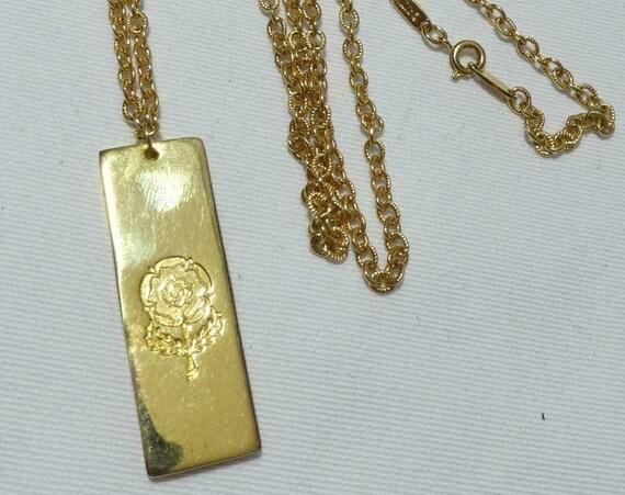 Charming  vintage goldtone stamped rose ingot pendant necklace