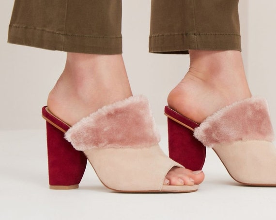 Fabulous new unworn Jaggar The Label Faux fur pink moon block heel mules heels  37   Aus 6.5