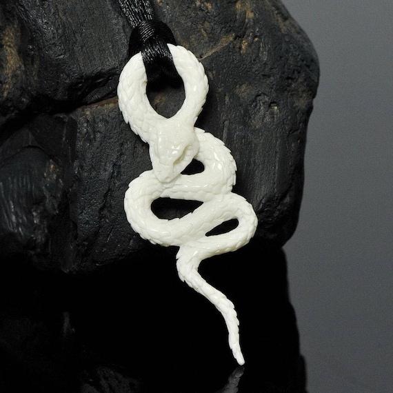"Beautiful Snake Pendant White Bovine Bone Art Sculpture Carving 2.6"""