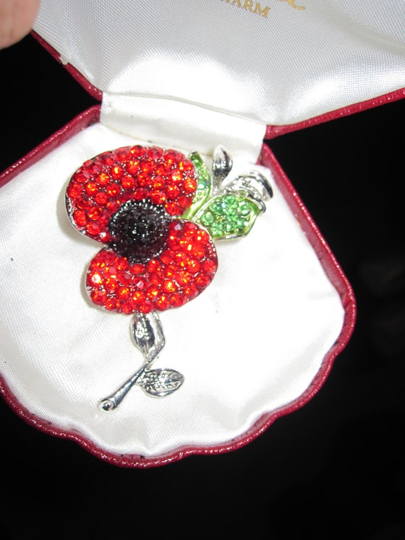 Pretty vintage Silvertone Red Black Green Crystal Poppy Flower brooch