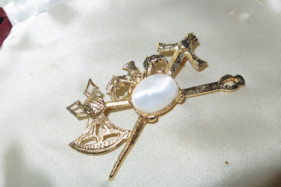 Beautiful vintage Scottish Celtic Cross Sword/Axe Thistle Glass brooch or kilt pin