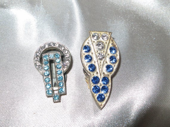 Lovely vintage Art Deco silver metal blue and clear rhinestone dress clips