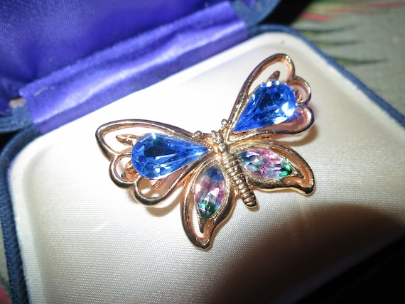 Beautiful Vintage goldtone sapphire blue and rainbow glass butterfly brooch