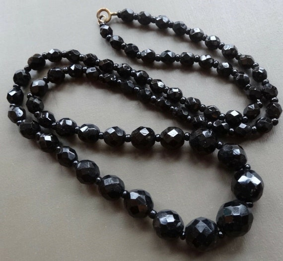 """Lovely 1950s vintage faceted French Jet black glass necklace 25"""""""
