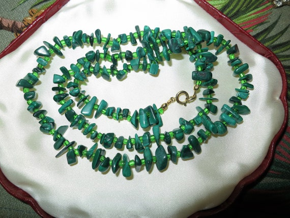 """Beautiful vintage malachite and green glass necklace 24"""""""