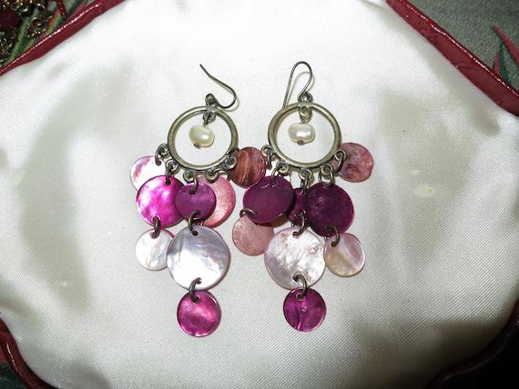 Beautiful vintage gold metal burgundy pink mother of pearl drop earrings