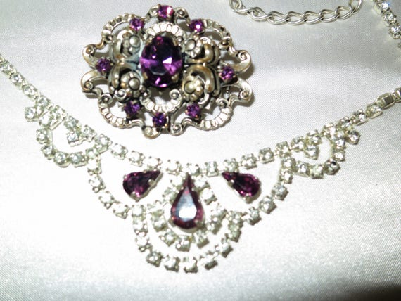 Beautiful vintage 1950s silvertone amethyst rhinestone necklace & brooch
