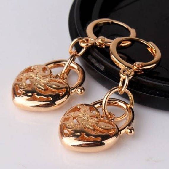 Beautiful 18 yellow gold filled  filigree heart locket earrings for pierced ears