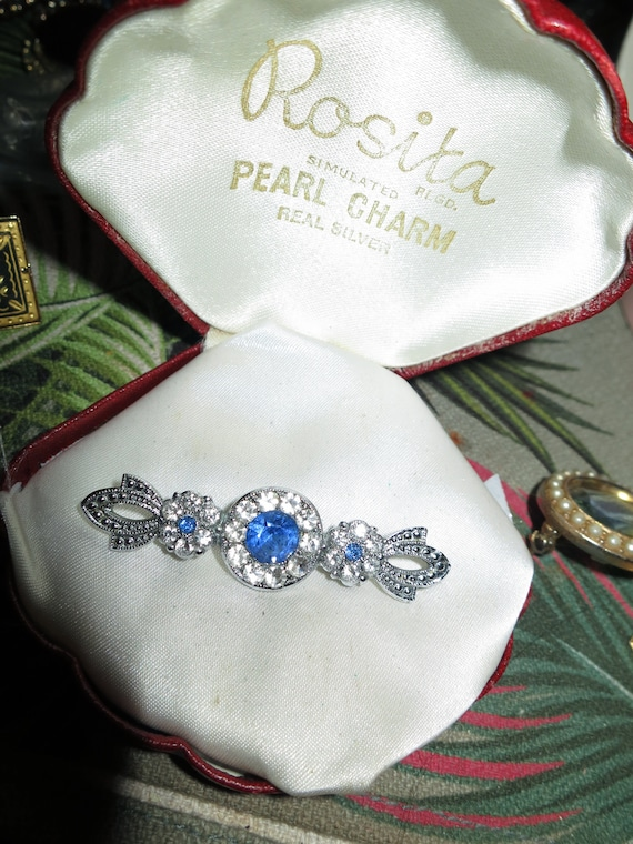 Beautiful vintage Deco Silvertone  Clear and blue Rhinestone bar brooch
