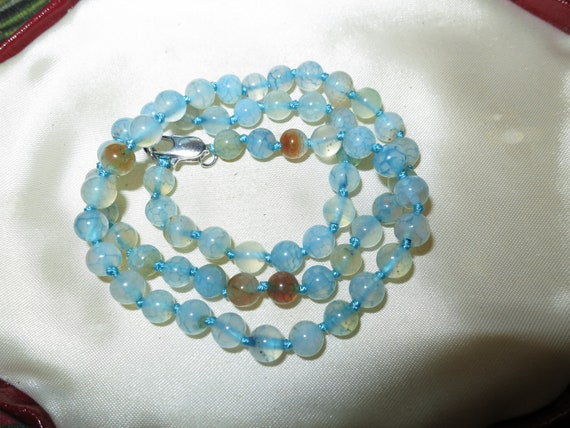Attractive 6mm blue dragon vein agate necklace 18 inches silver plated clasp