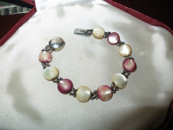 Wonderful vintage Deco mother of pearl bracelet with silver clasp