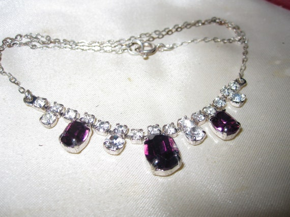 Wonderful Vintage silvertone amethyst and clear glass necklace