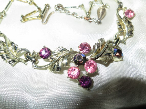 Wonderful Vintage goldtone Coro style pink and purple glass necklace