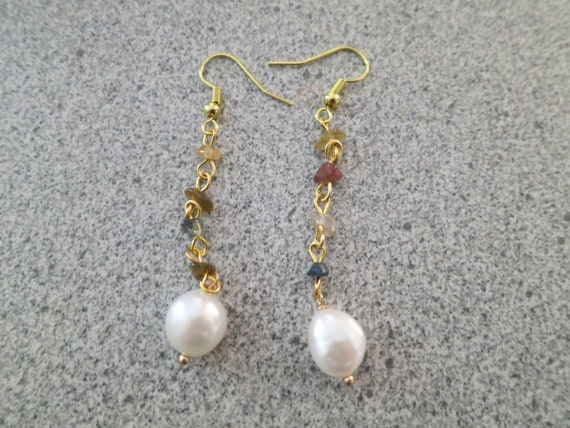 Lovely Natural 9mm freshwater pearl and agate chip   Dangle Earrings