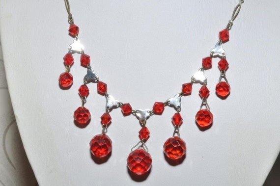 Beautiful vintage Art Deco ruby red glass fringe dropper necklace   signed Czechslovakia