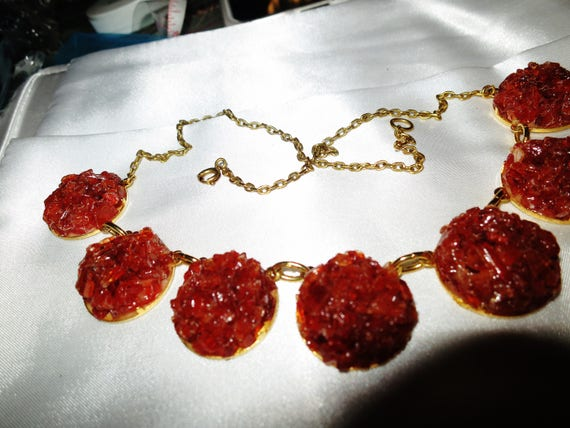 Vintage gold metal Carnelian chip   necklace