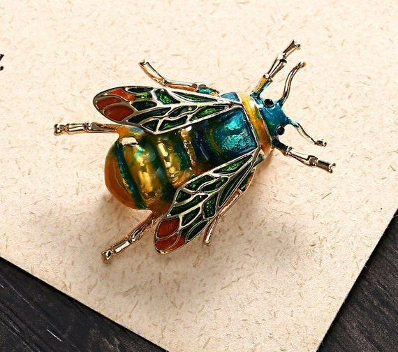 Beautiful vintage enamel green bug beetle brooch