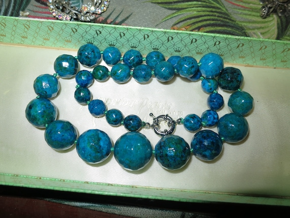 Lovely graduated 10 - 20 mm knotted Azurite necklace  18.5 inches long