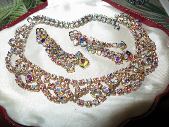 Gorgeous vintage set of aurora borealis glass rhinestone necklace and clip on earrings
