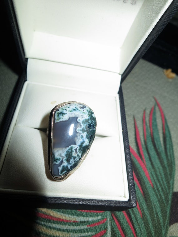 Wonderful Vintage silver plated moss agate stone ring