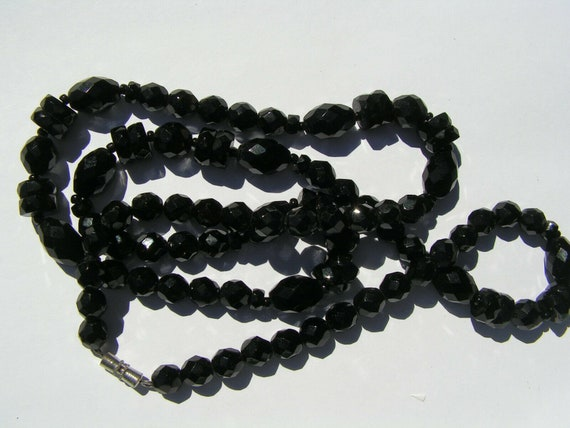 Lovely faceted Jet black glass beaded necklace