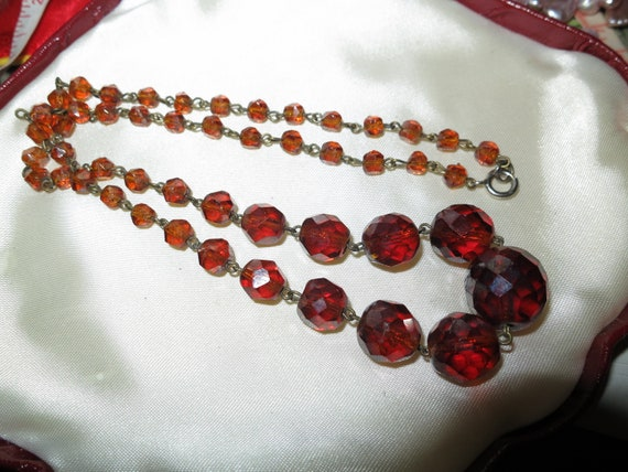 Lovely vintage Deco wired cherry amber glass necklace