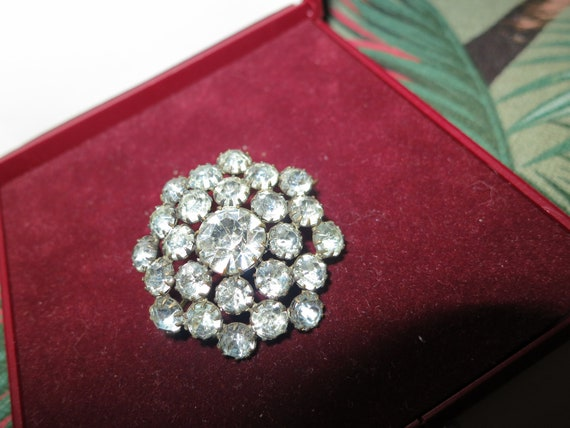 Beautiful vintage Edwardian brass rhinestone brooch