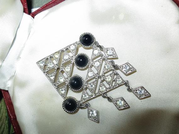 Lovely vintage Deco styled rhinestone black cabochon dangle silver tone brooch
