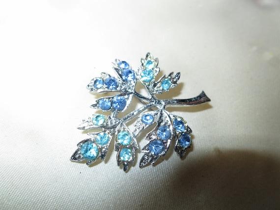 Charming vintage silver gold metal blue glass  rhinestone leaf brooch
