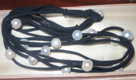 Lovely new handmade genuine 9 mm white pearl black leather rope necklace