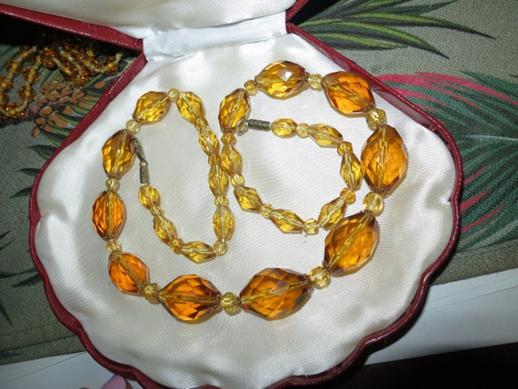 Vintage 1940s Art Deco amber faceted glass necklace