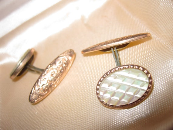 Wonderful Vintage 1940s genuine mother of pearl etched rolled gold cufflinks