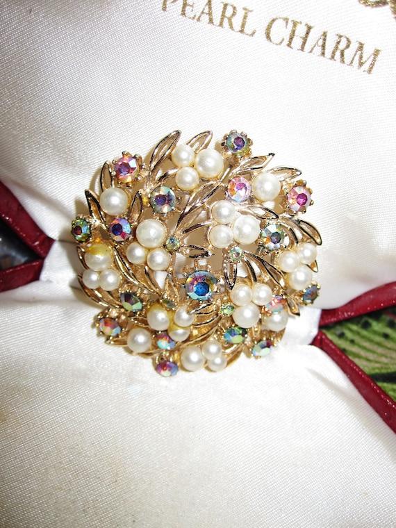 Beautiful Vintage Aurora Borealis & Pearl Pierced Metal Floral Brooch