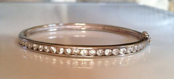Solid Hallmarked 925 Sterling Silver  Hinged Bangle & Box 14.3gr