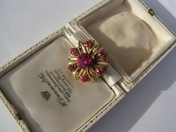 Lovely vintage sparkly pink flower rhinestone lace brooch