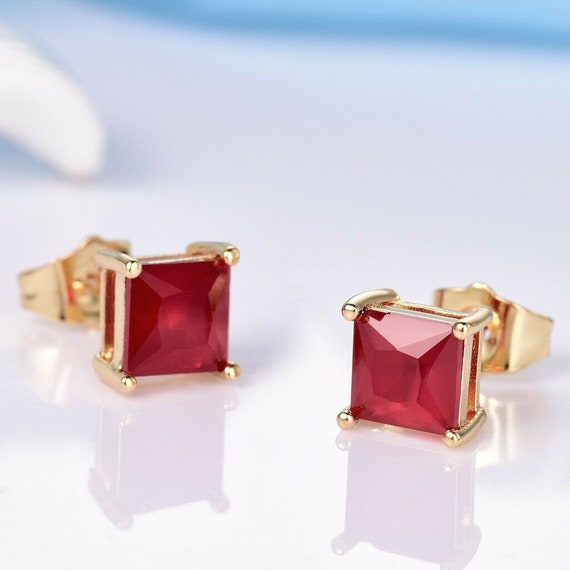 Lovely 18ct yellow gold filled ruby  9mm stud earrings