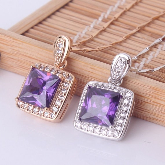 Lovely 18ct  yellow gold plated amethyst crystal pendant necklace