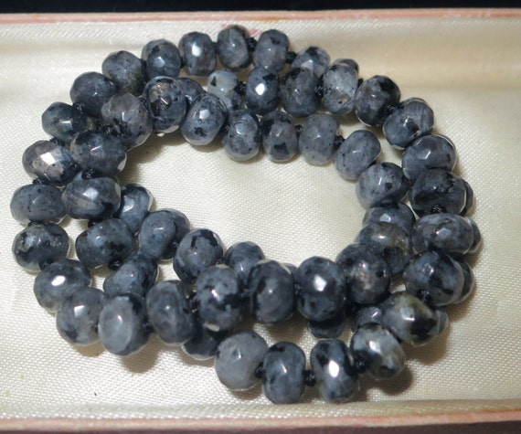 """Lovely 8mm rondelle knotted  Labradorite necklace 18"""""""