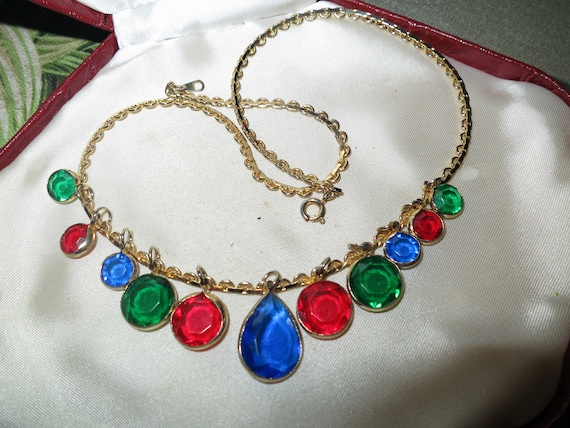 Delightful  vintage multi coloured lucite droplet necklace