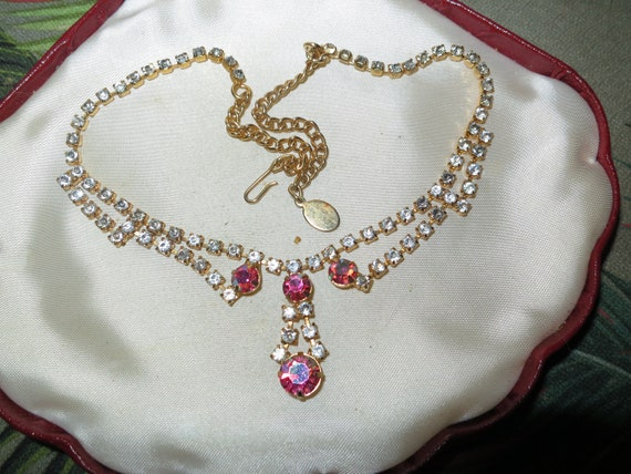 Wonderful vintage goldtone clear and pink aurora borealis glass   necklace