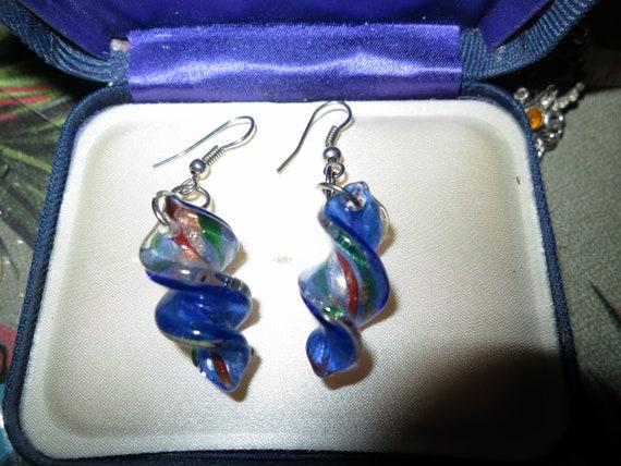 Fabulous pair of vintage silvertone rainbow glass twist dropper earrings