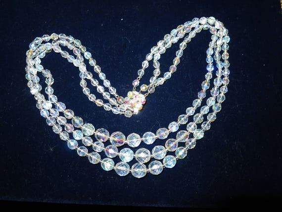 "Stunning Vintage  goldtone 3 strand faceted aurora borealis crystal necklace 20"""