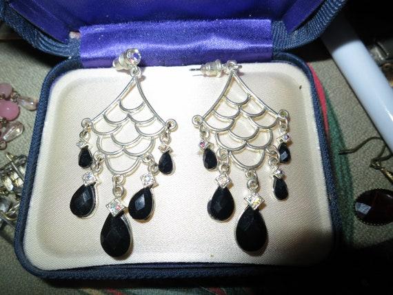 Fabulous pair of vintage silvertone black beaded drop earrings