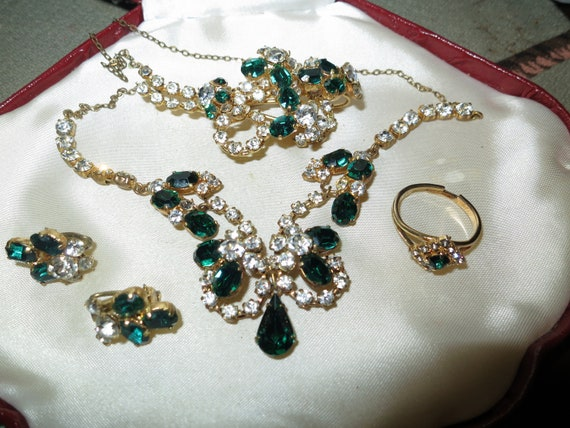 Fabulous Vintage 1950s goldtone emerald glass Necklace brooch earrings and ring set